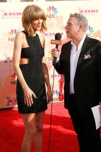 Elvis Duran interview Taylor Swift MIC FLAG
