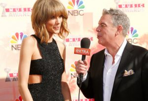 Extra Mic Flag Elvis Duran Taylor Swift